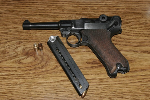пистолет Люгера P08